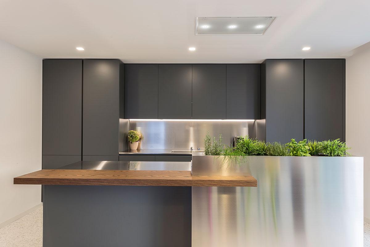 cucina-moderna-acciaio-1