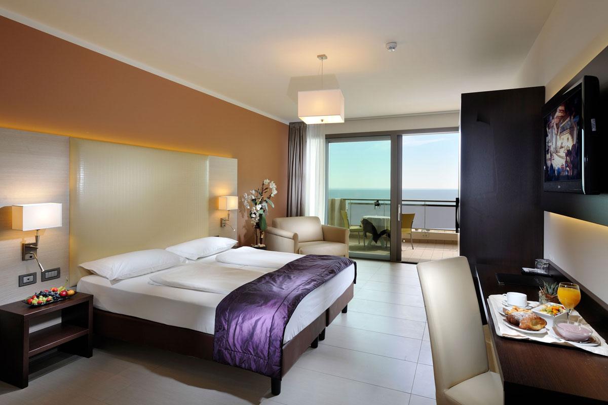 Arredamento elegante hotel al mare