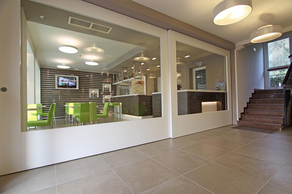 Arredi Bar Moderni hotel casa serena | gruppo 5 | custom-made furnishings for