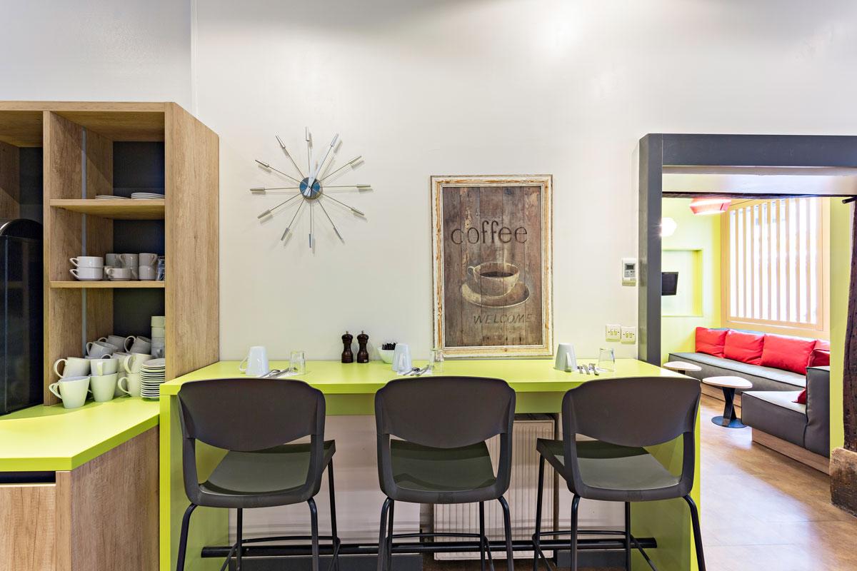 sala colazione moderna