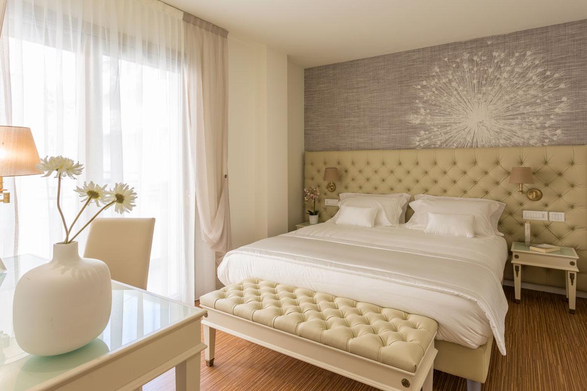 https://www.gruppo5.it/wp-content/uploads/2019/03/arredo-classico-hotel-valdagno.jpg