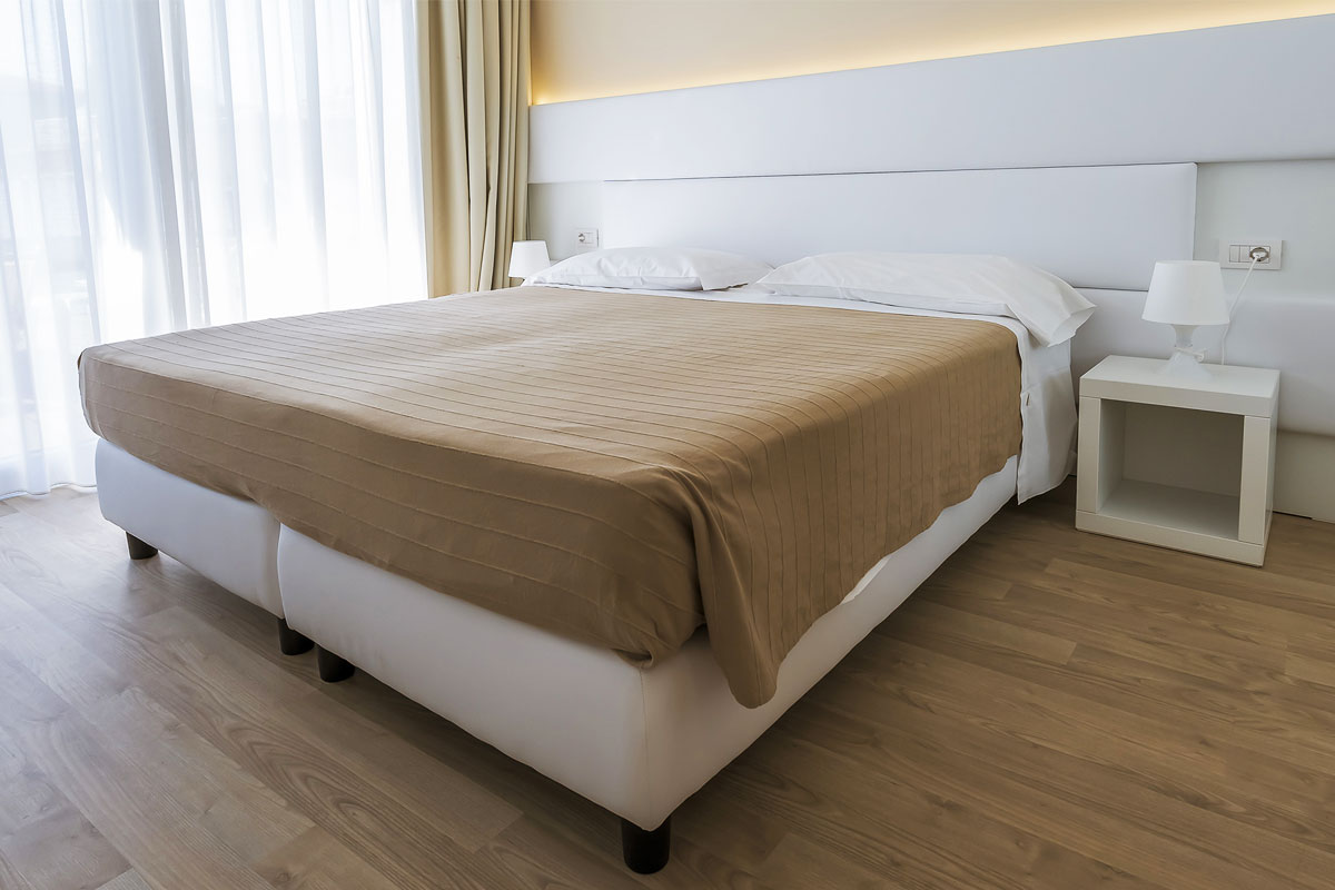 https://www.gruppo5.it/wp-content/uploads/2019/03/contract-hotel-bardolino-3.jpg