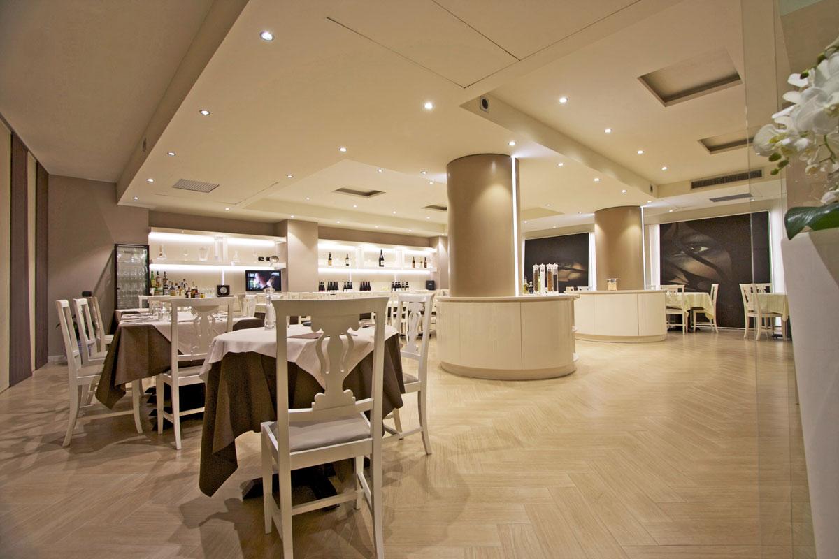 ristorante stile neoclassico