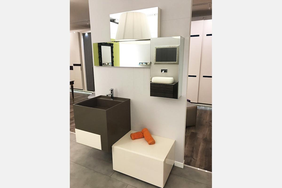 https://www.gruppo5.it/wp-content/uploads/2019/05/31-mobile-bagno-occasione-gruppo5.jpg