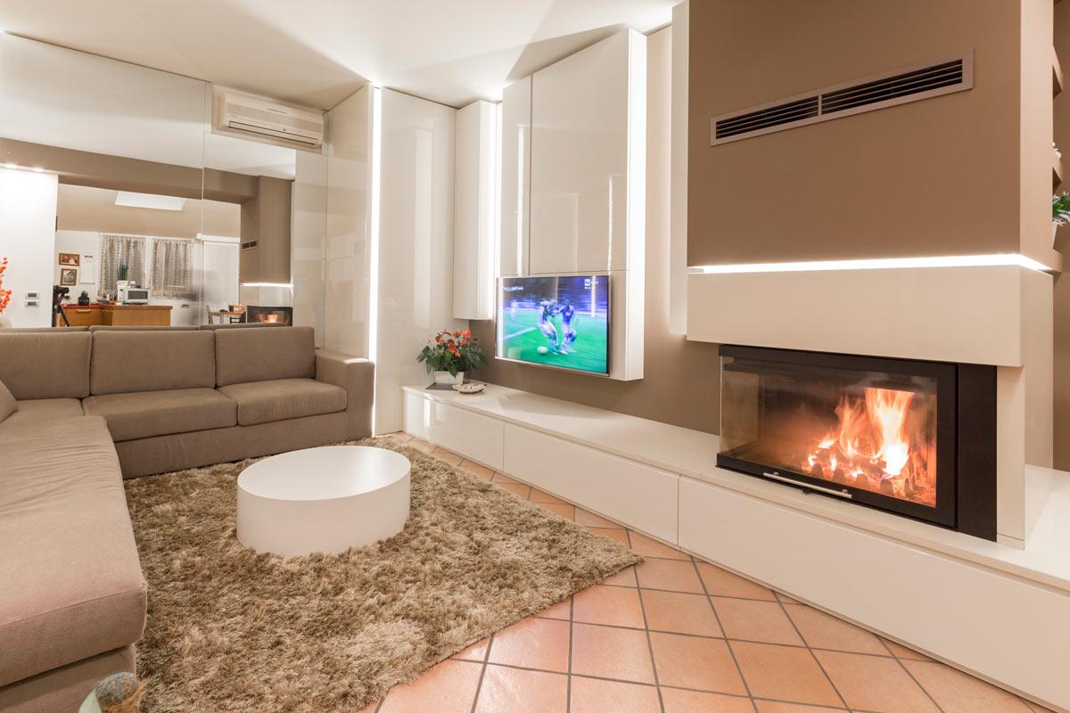 progetto-casa-46-salotto-caminetto-1
