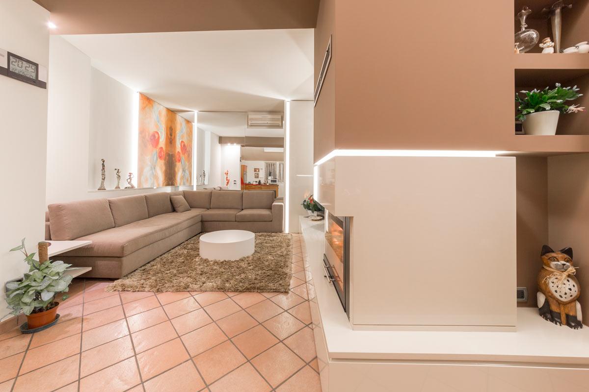 progetto-casa-46-salotto-caminetto-4