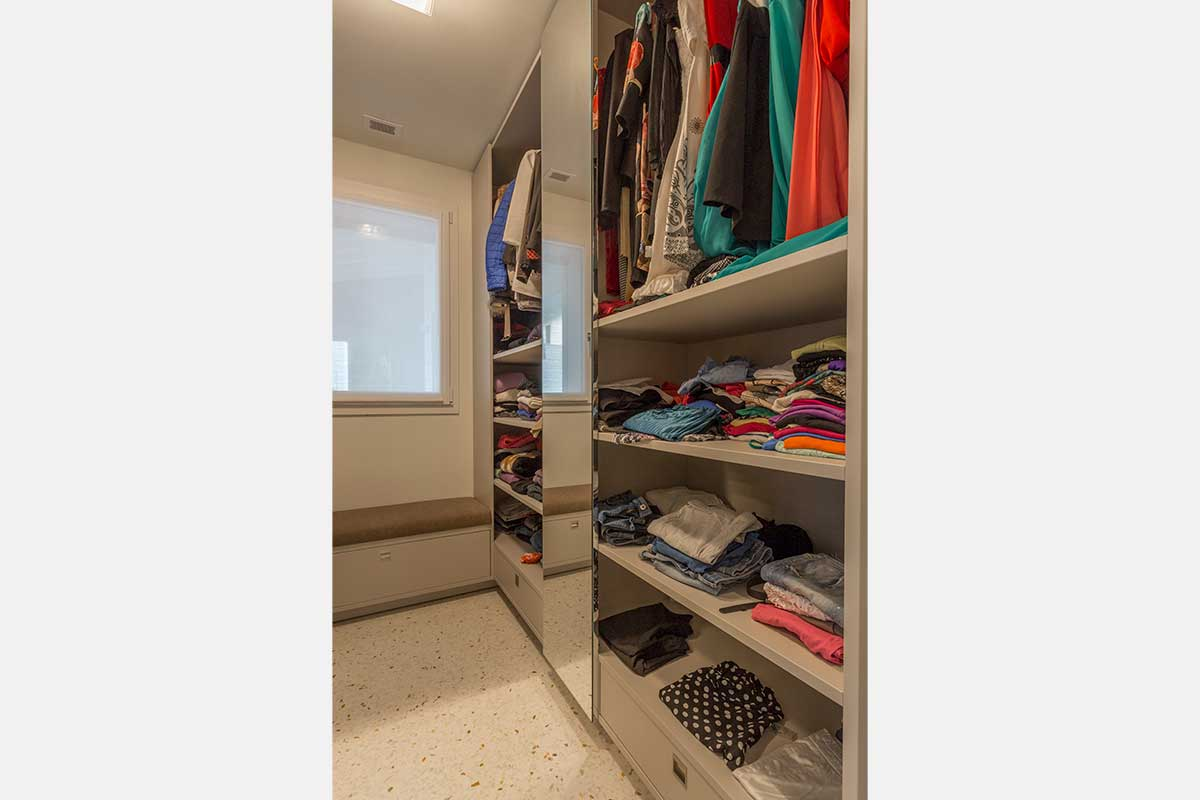 camera-matrimoniale-cabina-armadio-11