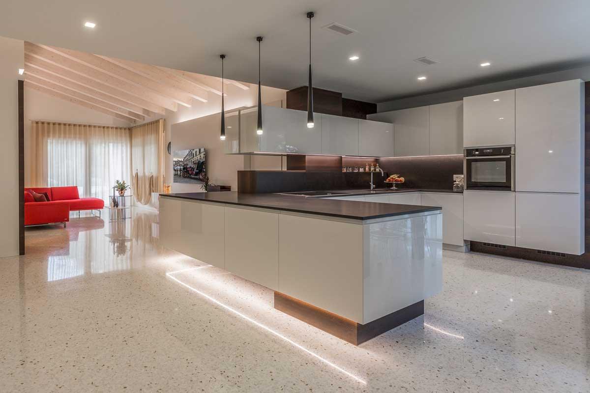 https://www.gruppo5.it/wp-content/uploads/2019/10/progetto-arredo-cucina-salotto-openspace-27.jpg