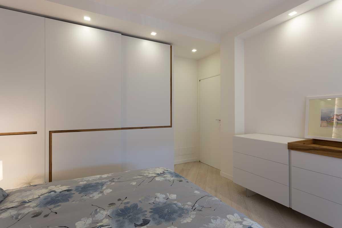 11-camera-matrimoniale-bianca-legno