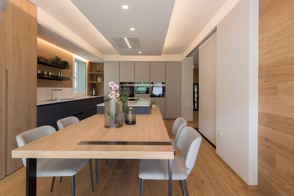 12-cucina-moderna-legno-antracite
