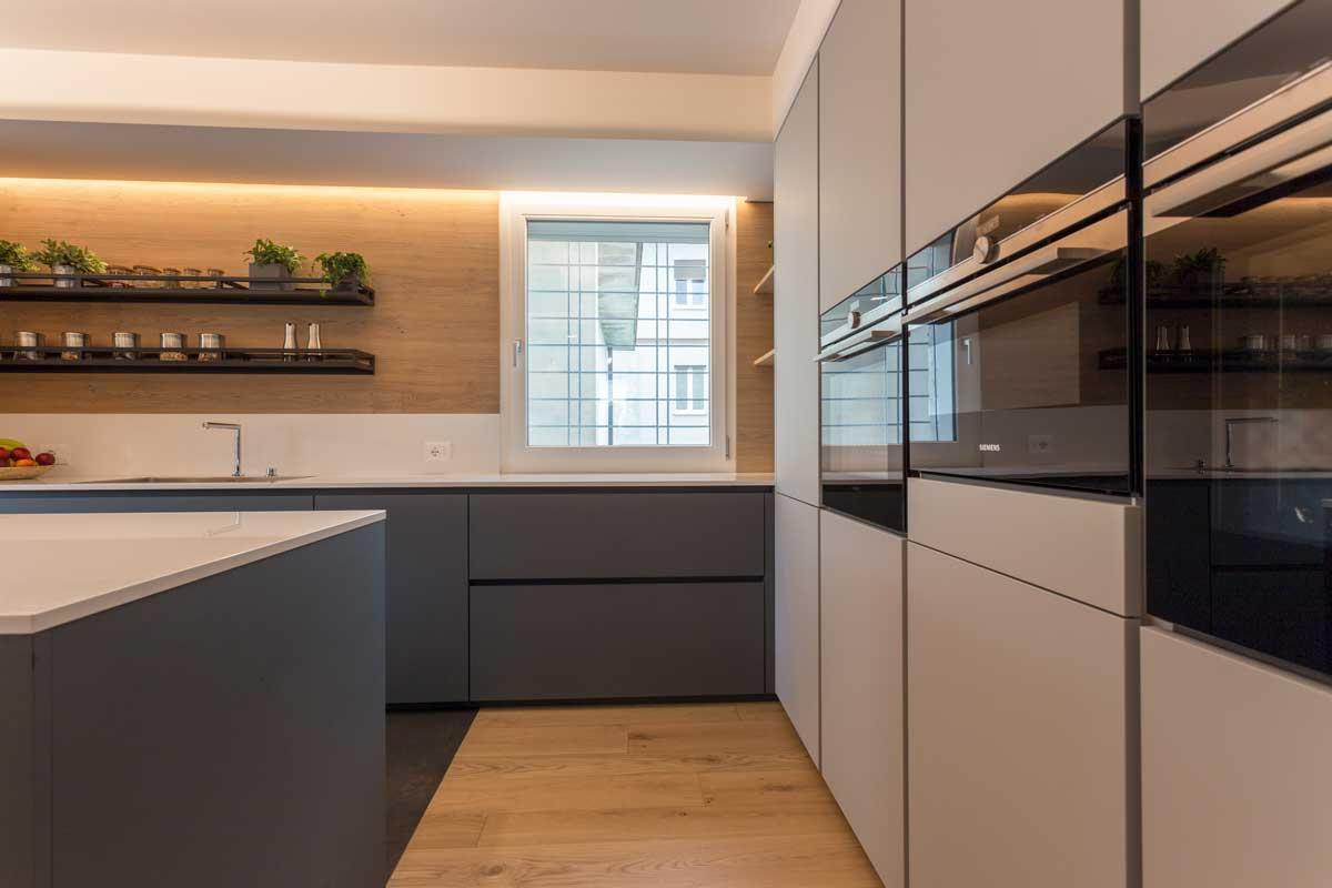 4-cucina-moderna-legno-antracite