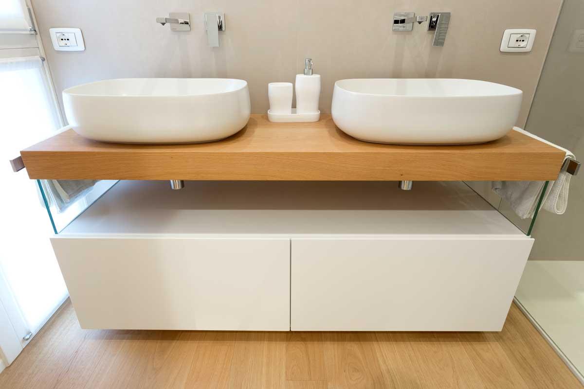 4-mobile-bagno-sospeso