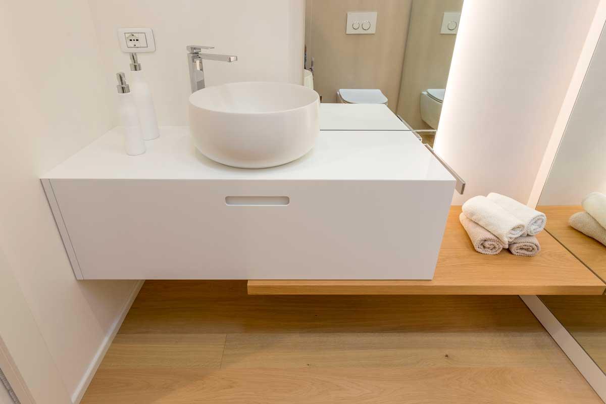 5-arredo-bagno-mensola-legno-lavabo-appoggio