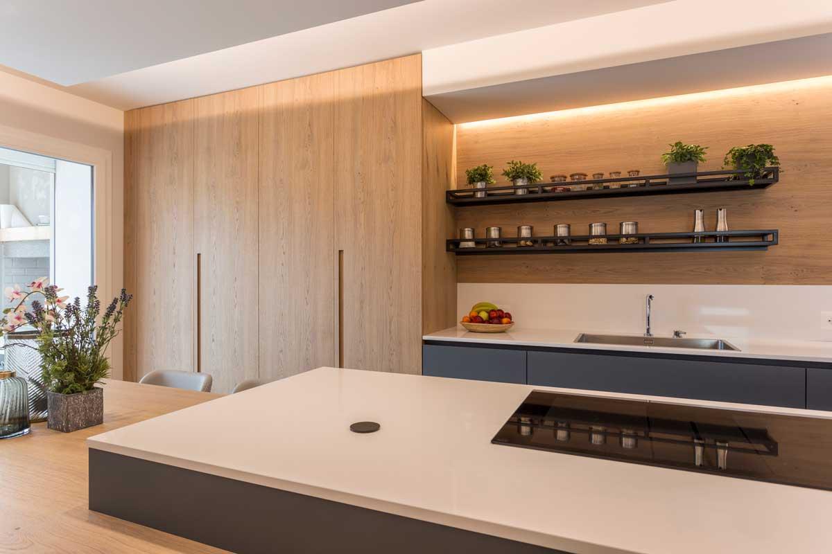 5-cucina-moderna-legno-antracite