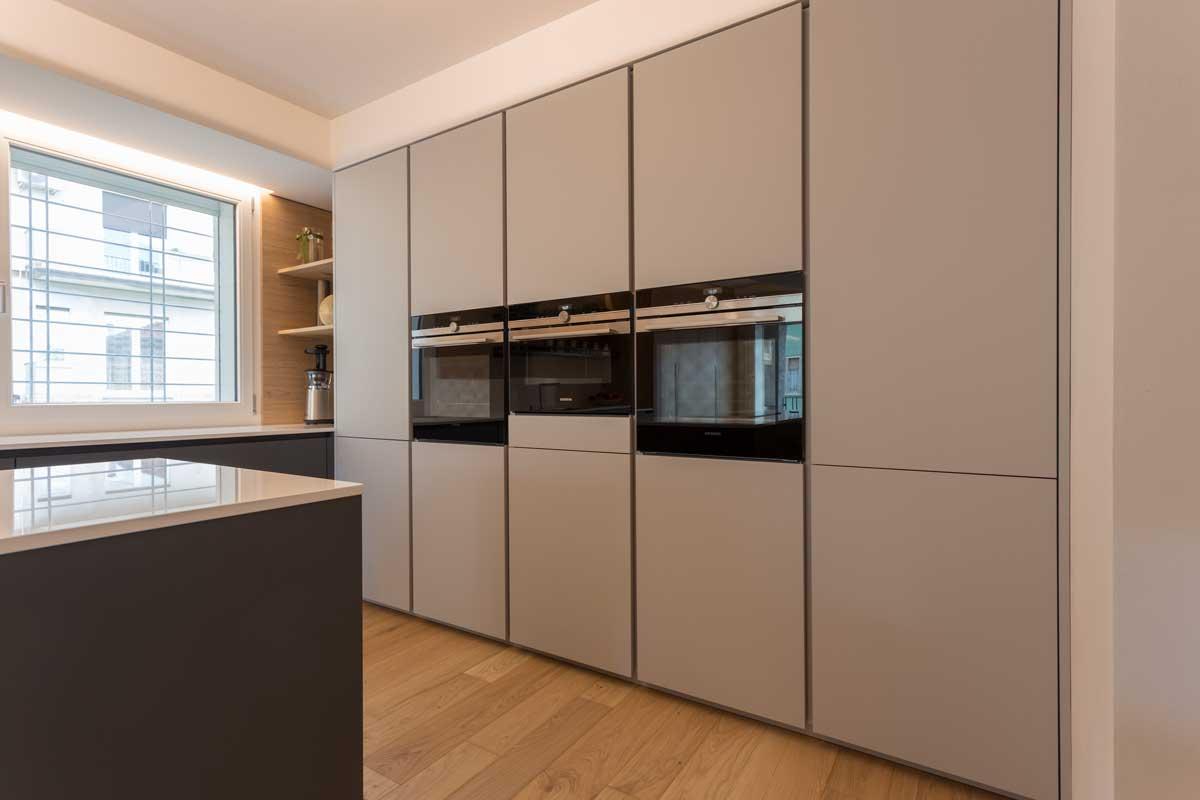 6-cucina-moderna-legno-antracite