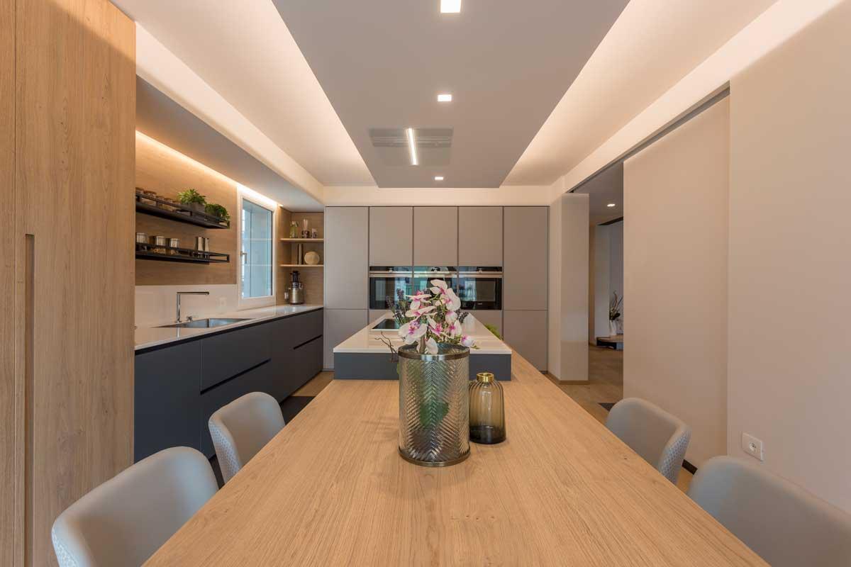 7-cucina-moderna-legno-antracite
