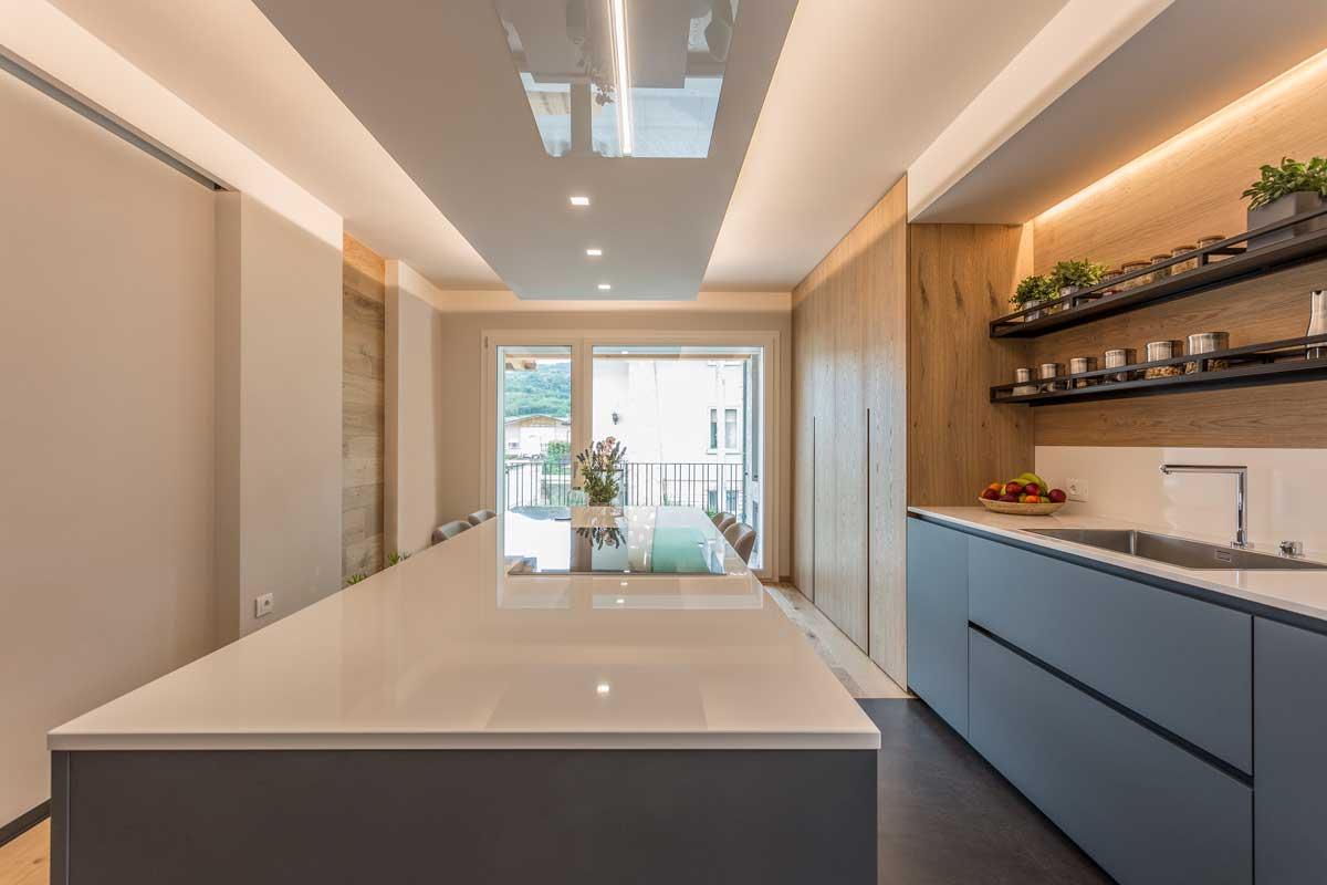 9-cucina-moderna-legno-antracite