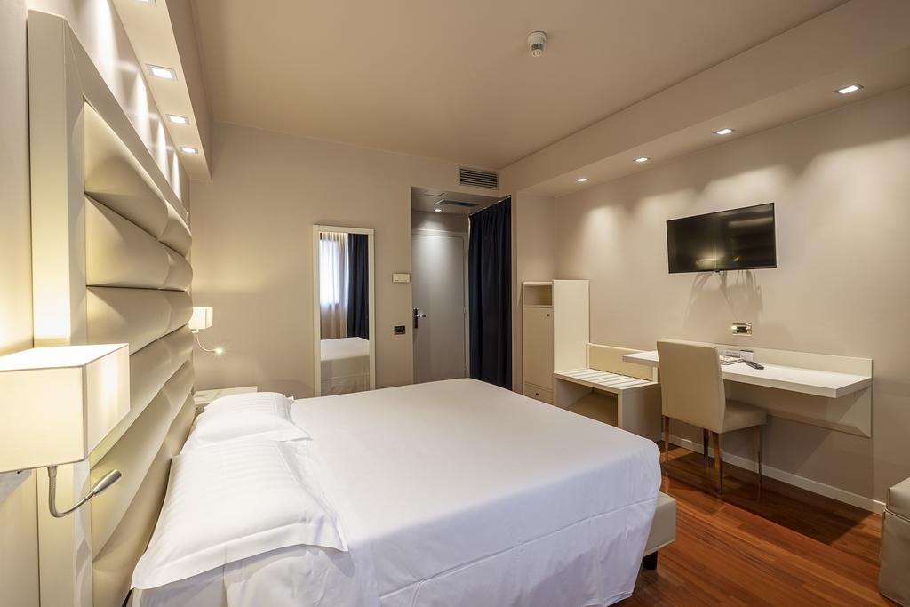 2--rinnovo-arredo-hotel-elegante