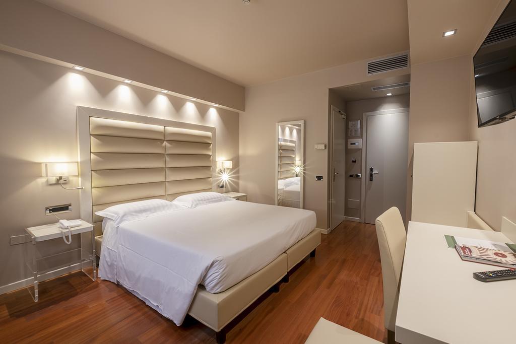 3--rinnovo-arredo-hotel-elegante