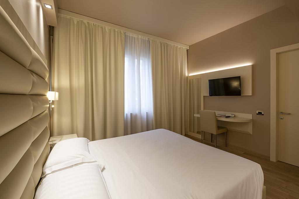 5--rinnovo-arredo-hotel-elegante