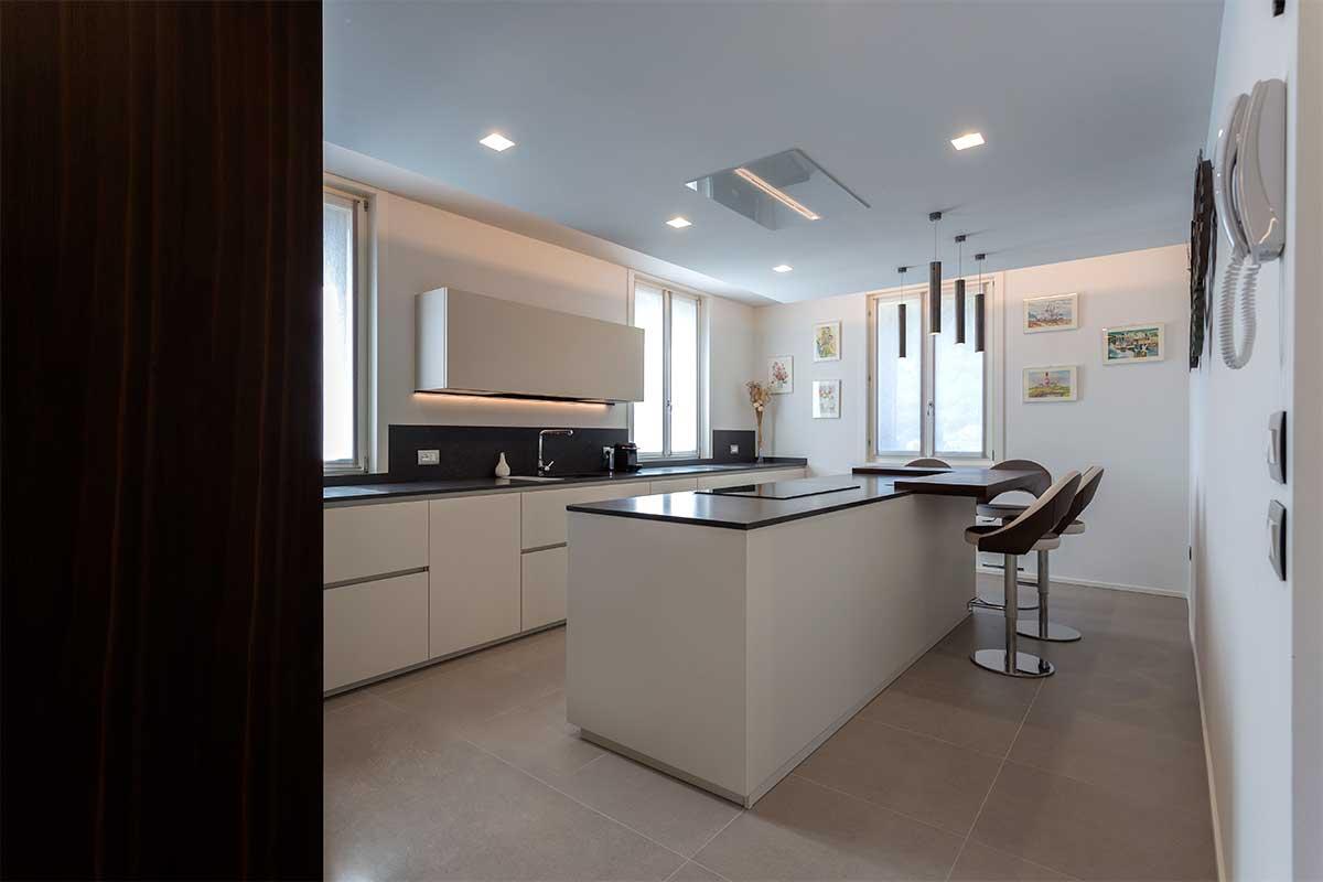 8-divisorio-cucina-soggiorno