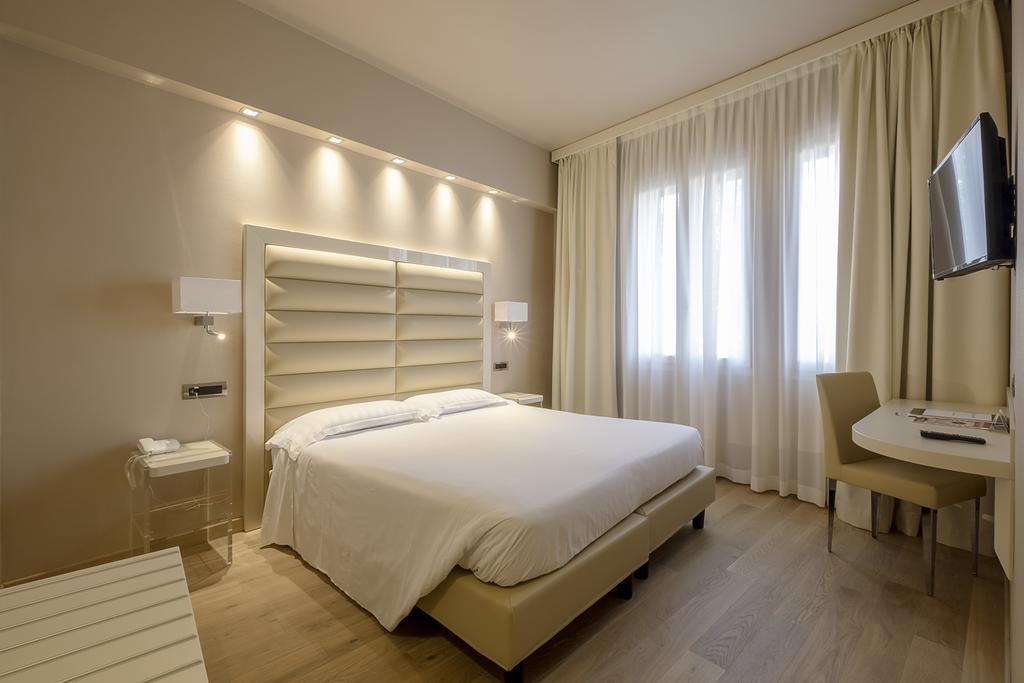8--rinnovo-arredo-hotel-elegante