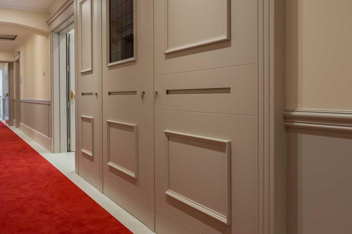 https://www.gruppo5.it/wp-content/uploads/2020/07/0-corridoio-hotel-arredamento-lusso.jpg