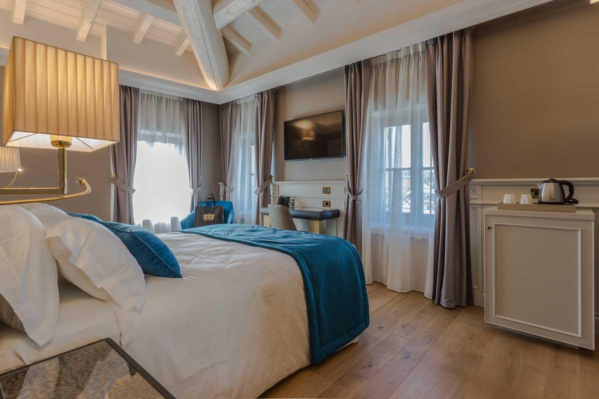 https://www.gruppo5.it/wp-content/uploads/2020/07/1-arredamenti-hotel-lusso.jpg