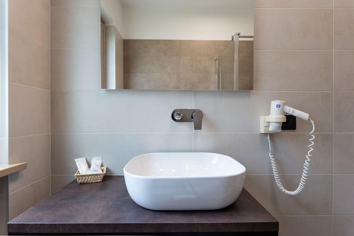 16-arredamento-hotel-moderno-minimale