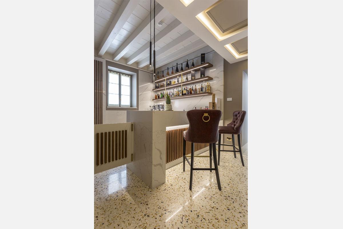 2-arredo-bar-contemporaneo-villa-zoppi-verona