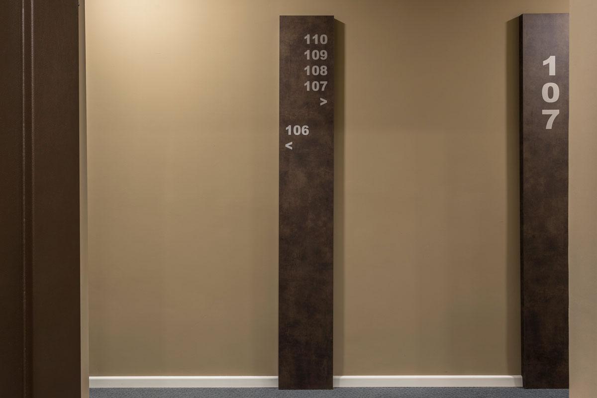 3-corridoio-hotel-arredamento-moderno