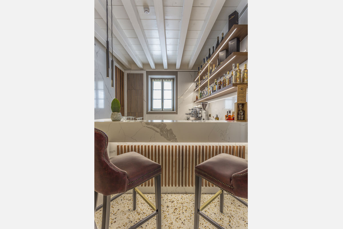 4-arredo-bar-contemporaneo-villa-zoppi-verona