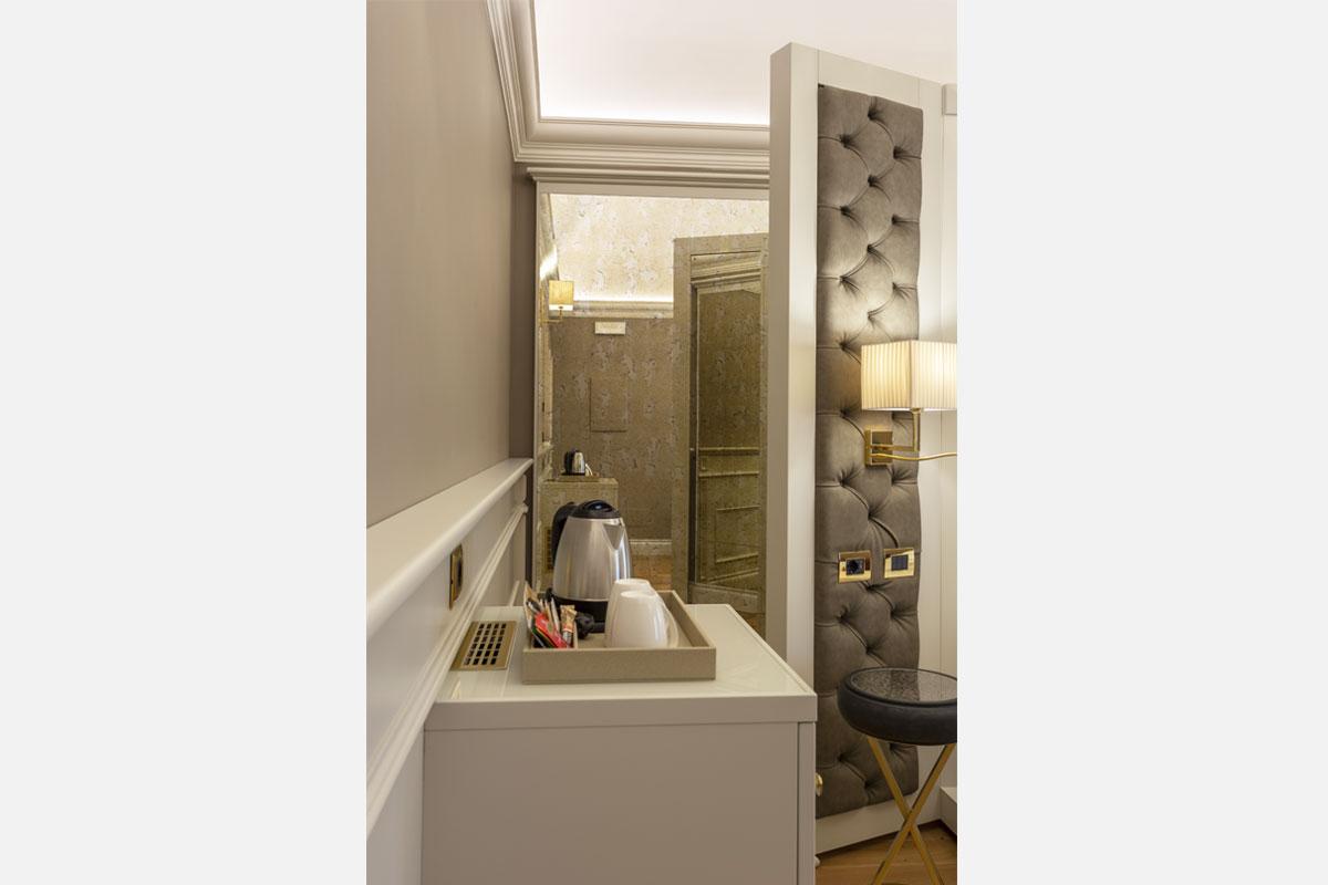 7-arredamento-camera-classico-contemporaneo