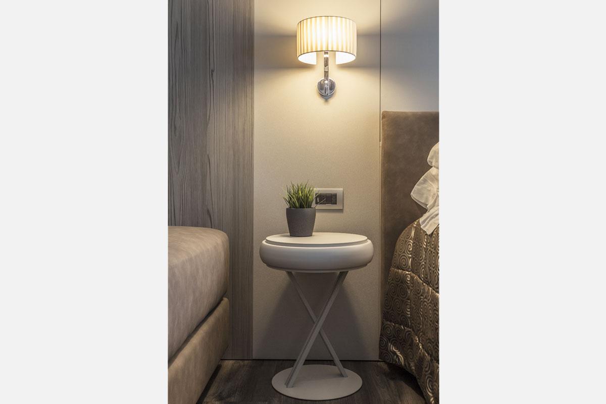 8-arredo-hotel-camere-moderne-lazise