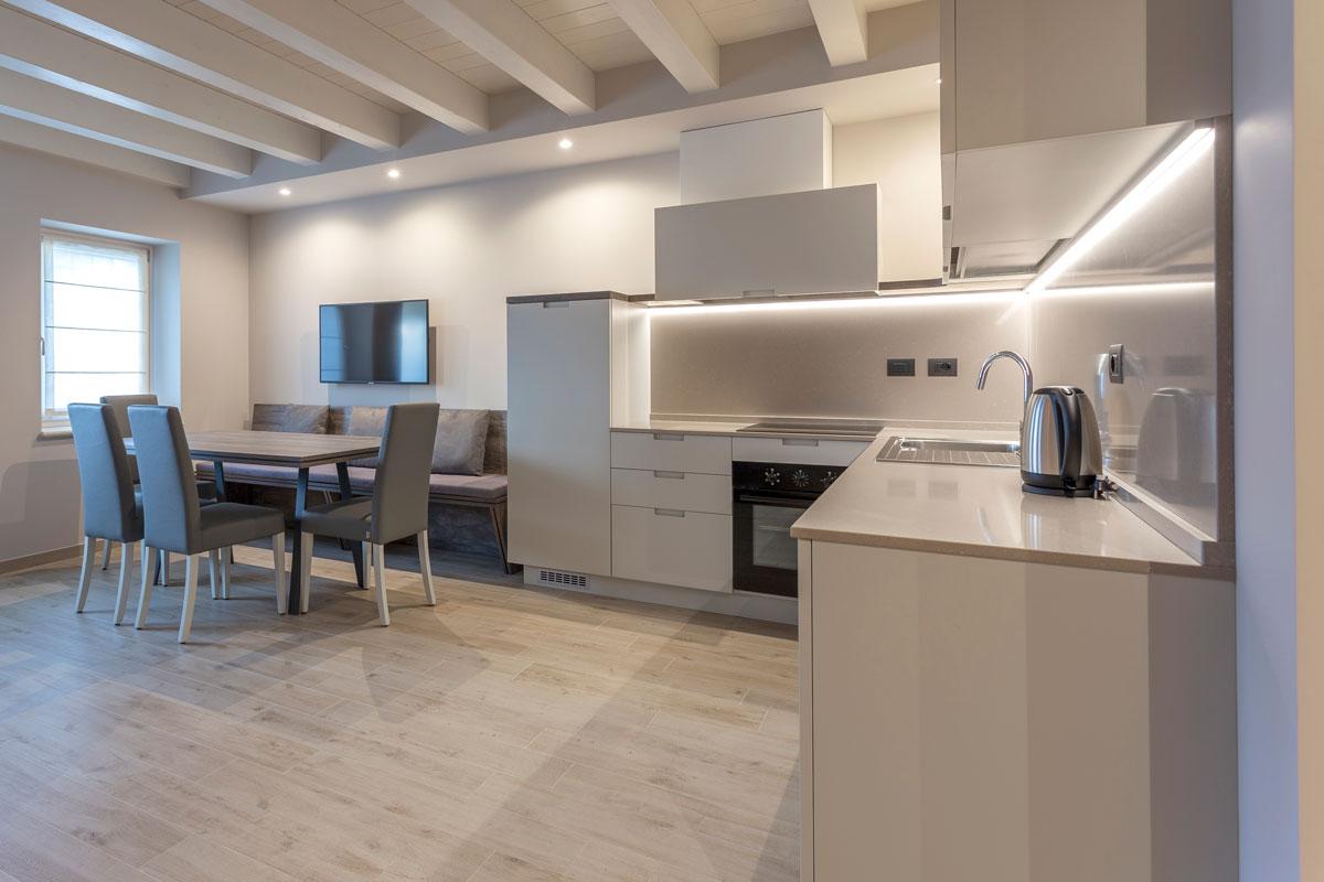 https://www.gruppo5.it/wp-content/uploads/2020/10/2-villa-zoppi-arredo-su-misura-residence.jpg