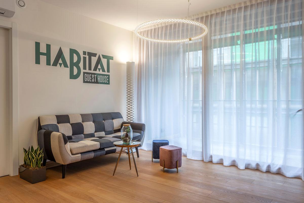 1-reception-arredo-moderno-hotel-guest-house-trento