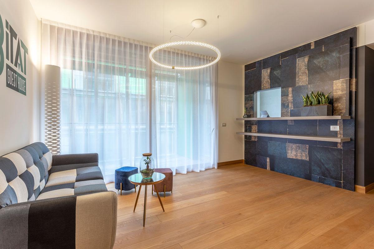 2-reception-arredo-moderno-hotel-guest-house-trento