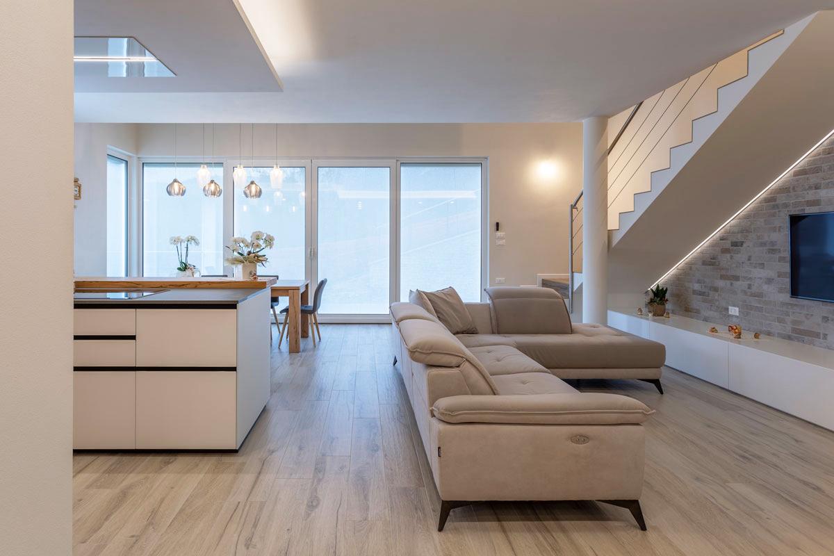 1-soggiorno-design-moderno-legno