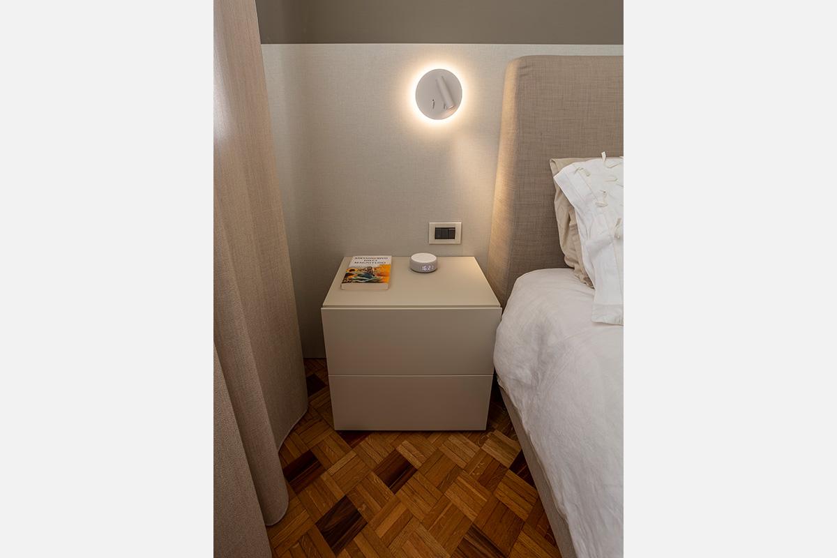 12-camera-matrimoniale-moderna-toni-caldi