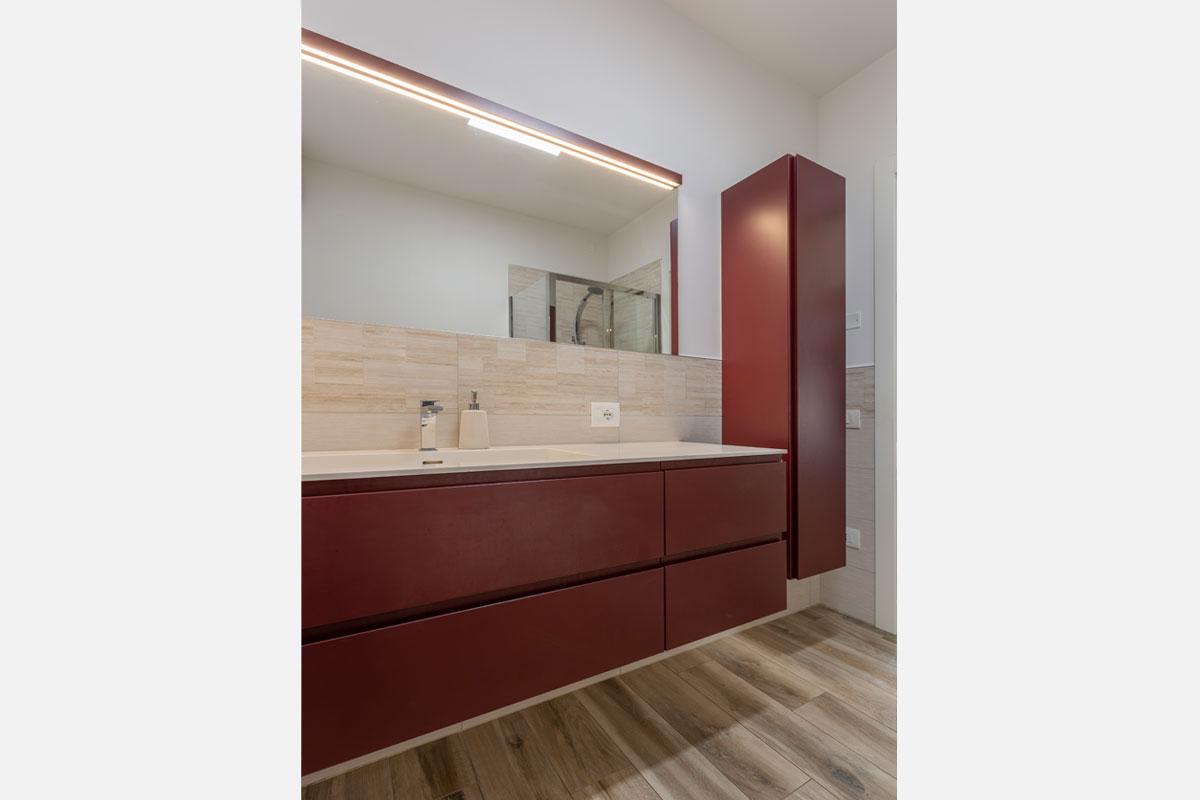 2-arredo-bagno-moderno-camera
