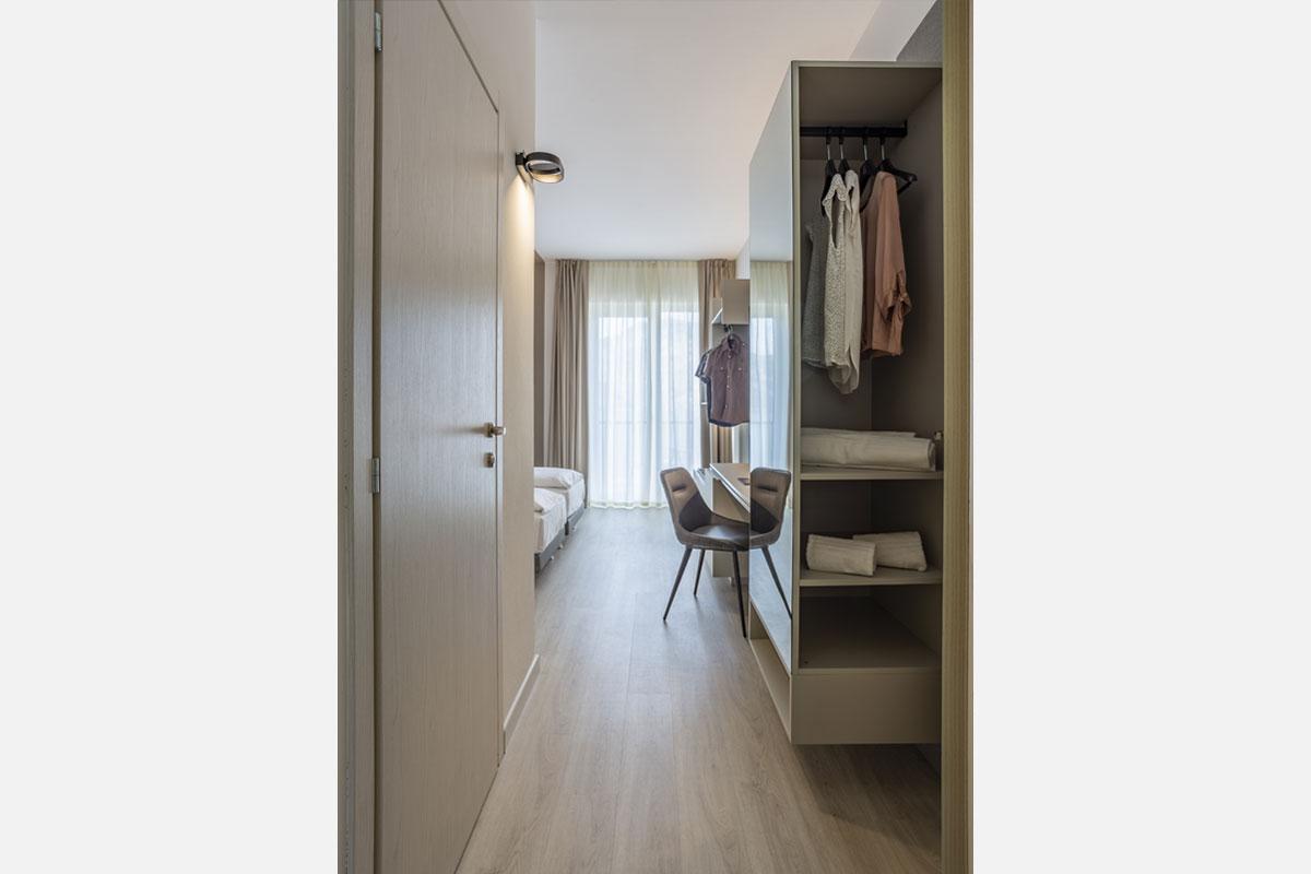 1-arredo-moderno-funzionale-hotel-mare