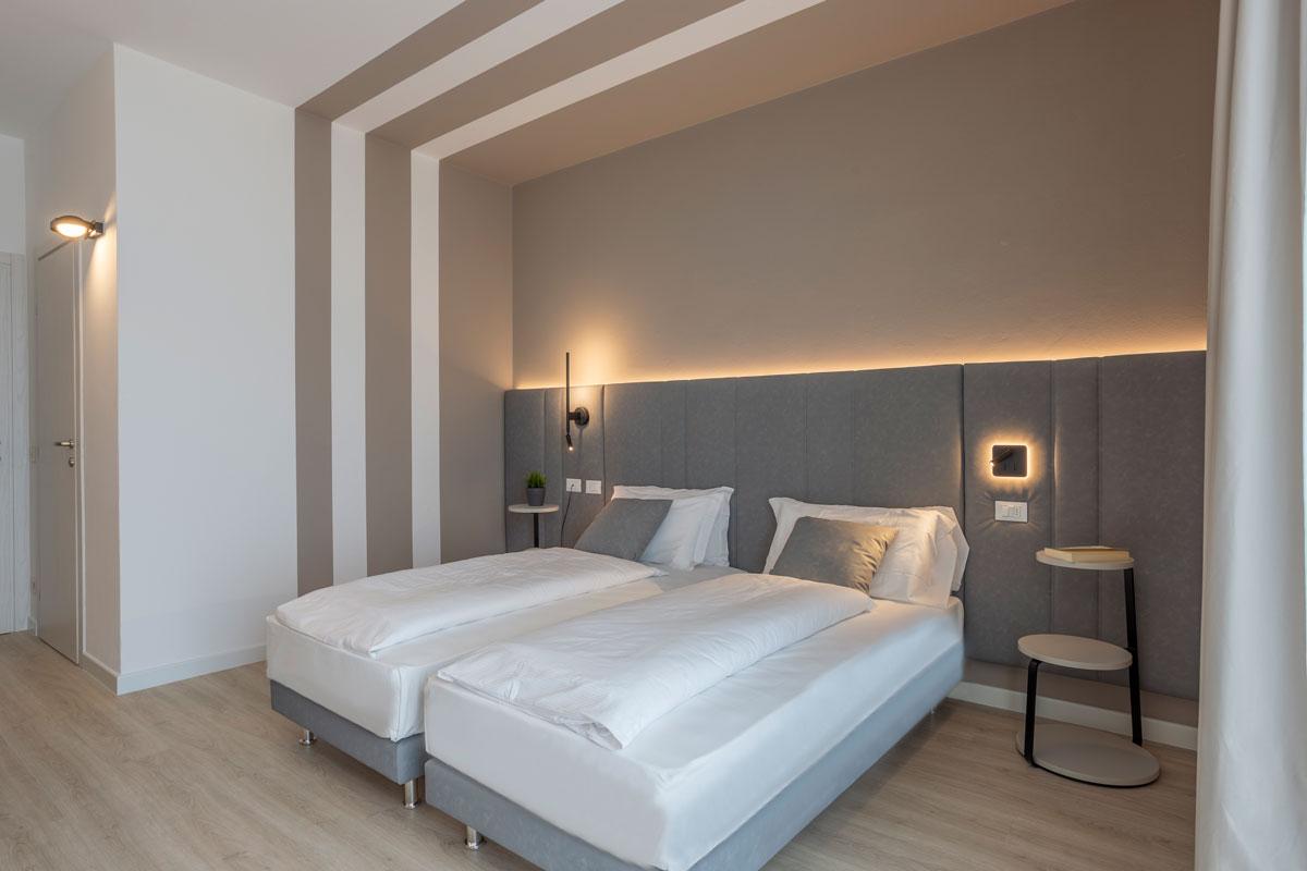 11-arredo-moderno-funzionale-hotel-mare