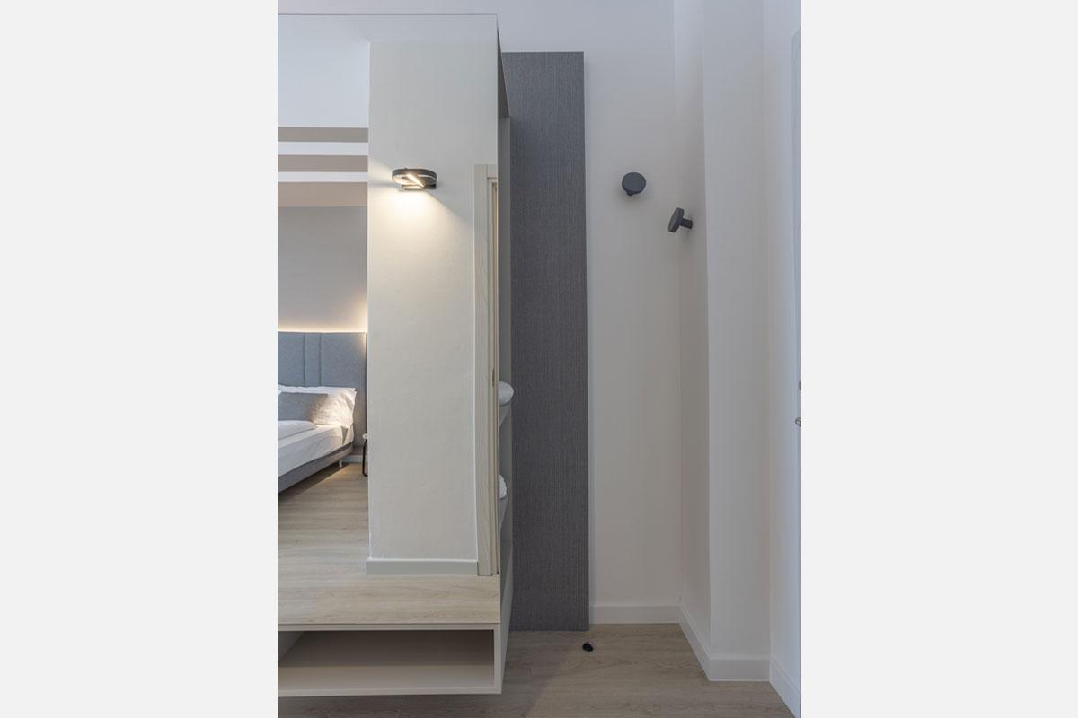 2-arredo-moderno-funzionale-hotel-mare