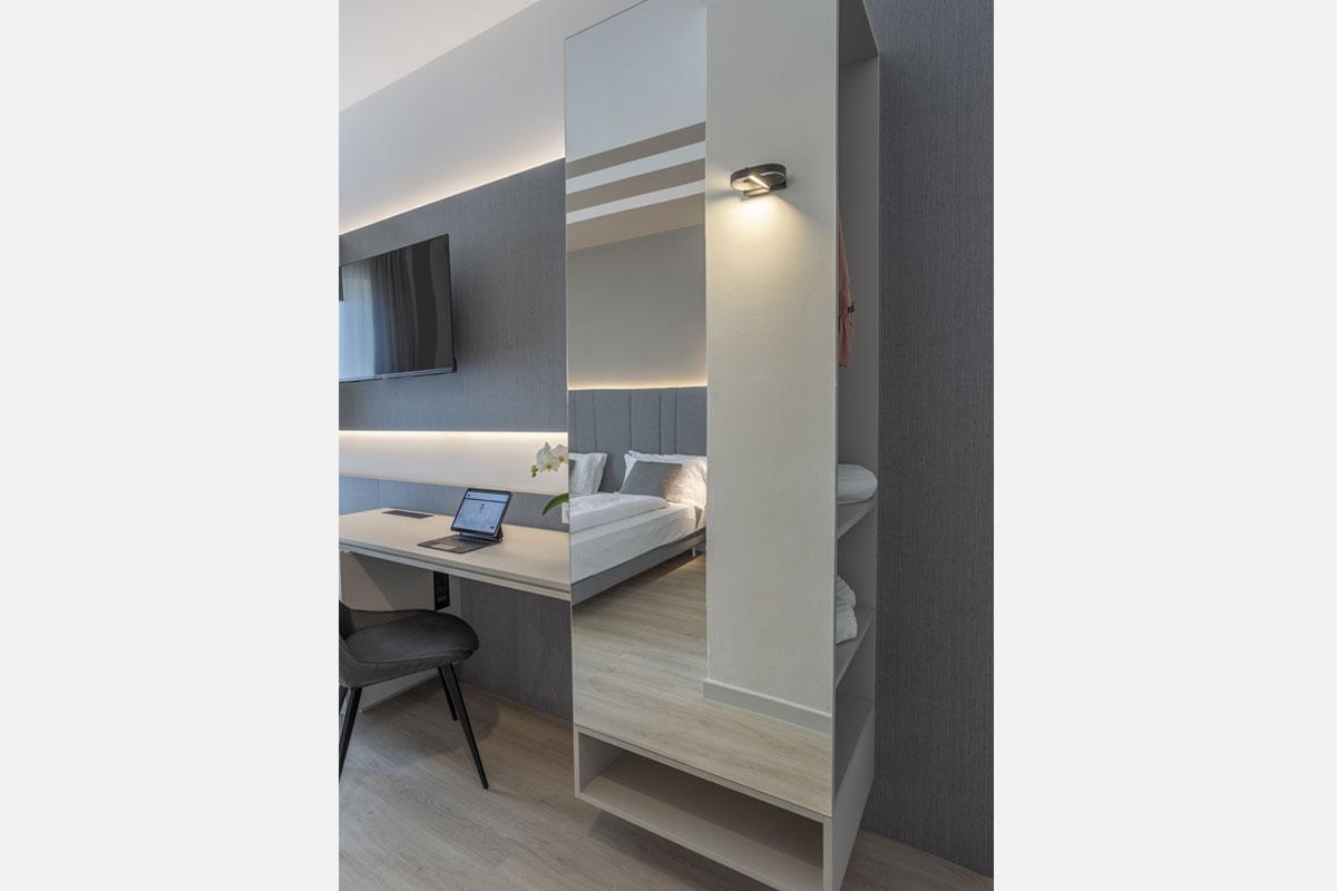 3-arredo-moderno-funzionale-hotel-mare